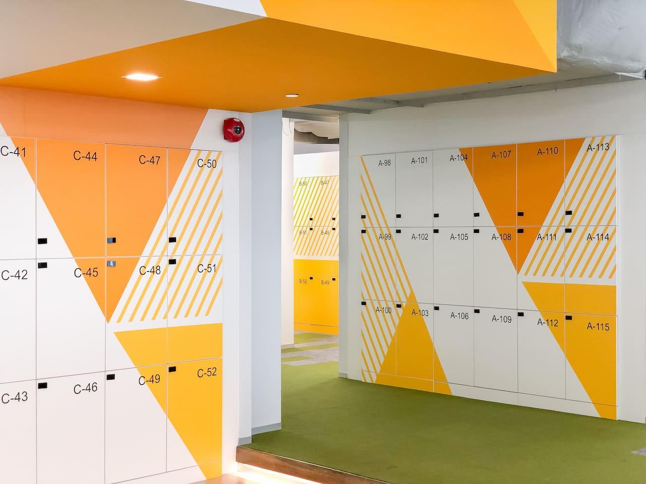 TOA interior office design by J-design